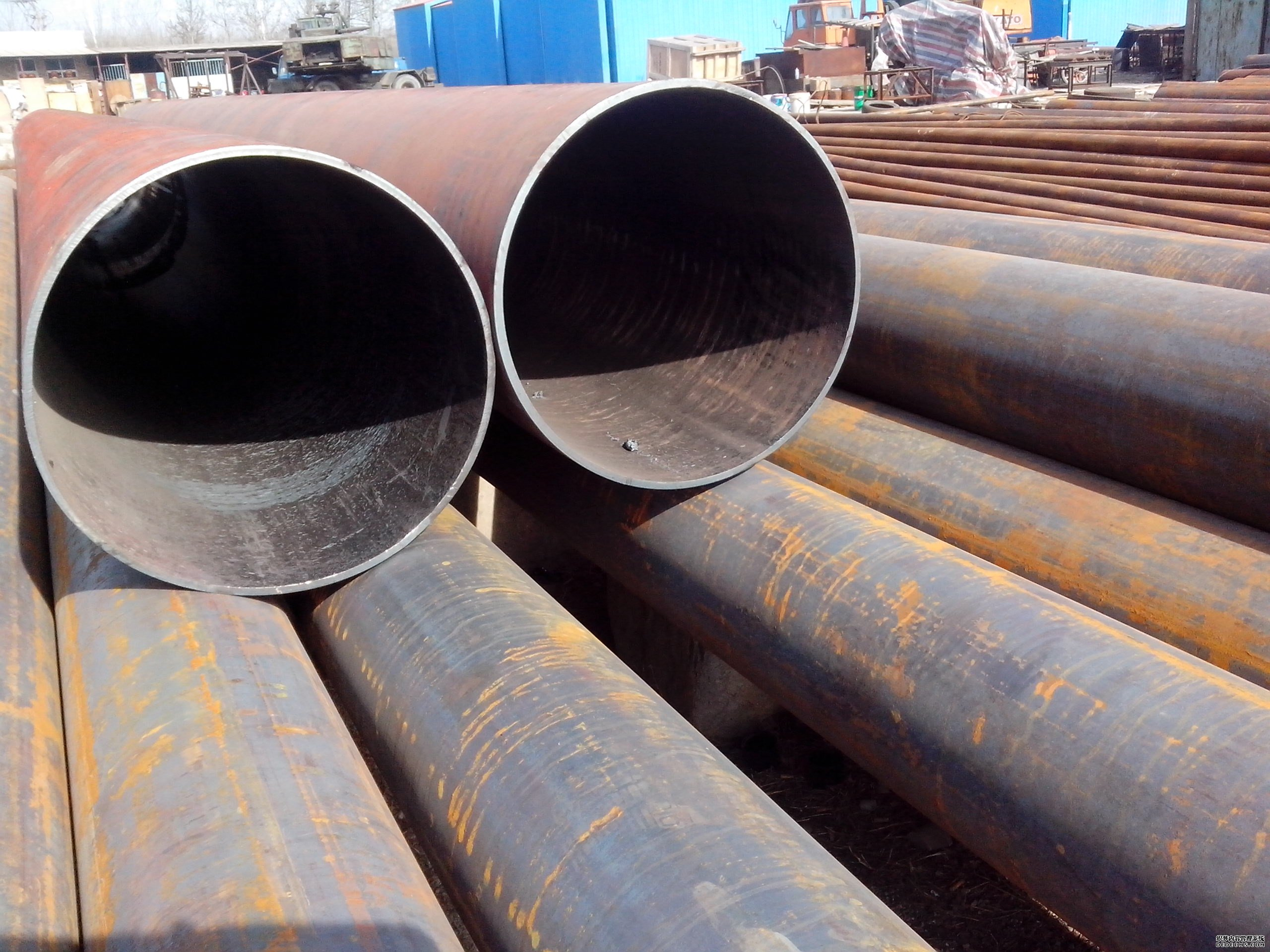 Seamless Pipe for Fluid Transport